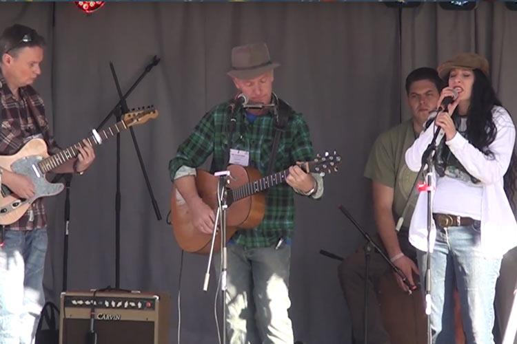 Folk on the Farm 2014